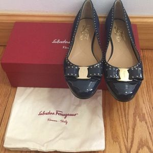 100% authentic, new Ferragamo Varina flats